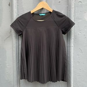 Ivivva pleat the game tee